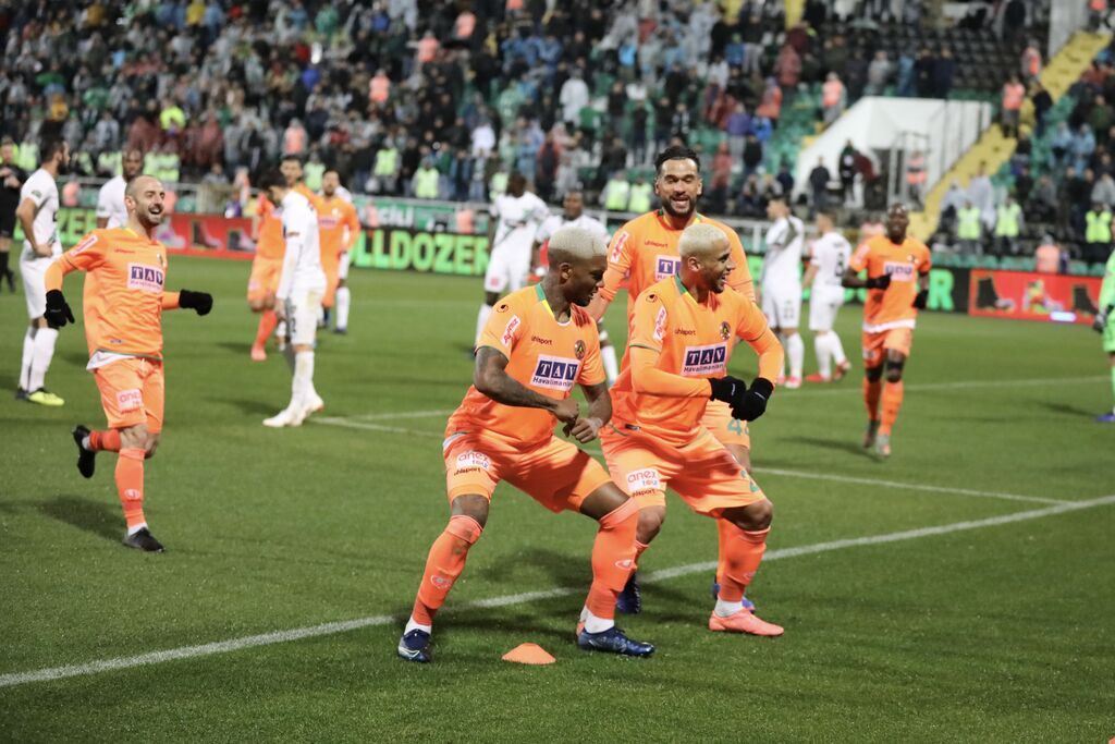 Alanyaspor denizli 3 Photo d045821e 25ca 4120 9371 7660942a2db9e159 93c9b