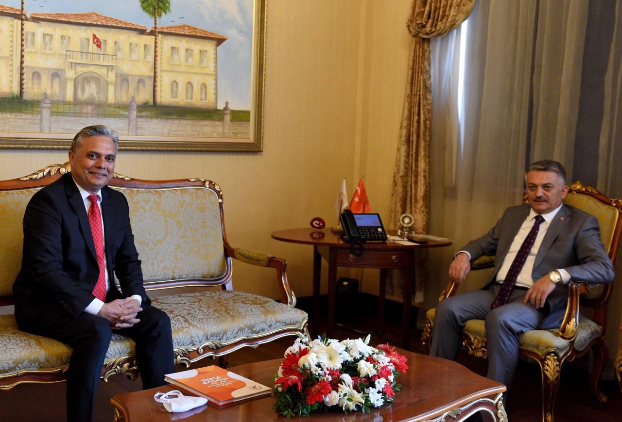 Başkan Uysal, Vali Yazıcı'yı ziyaret etti...