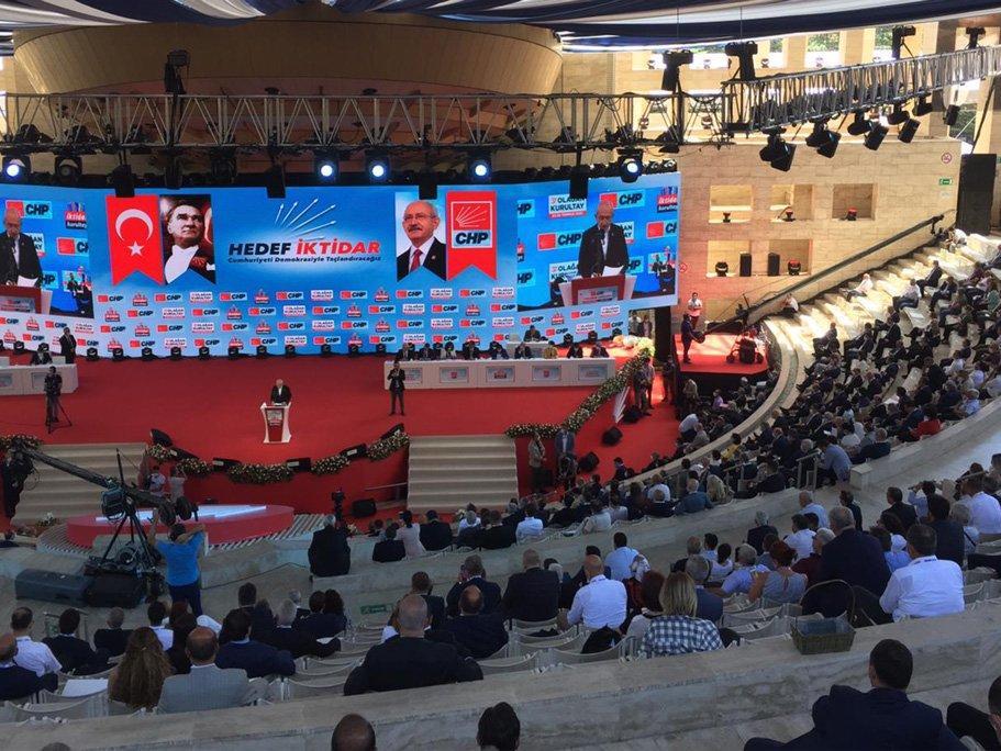 Kemal Kılıçdaroğlu yeniden CHP Genel Başkanı seçildi...