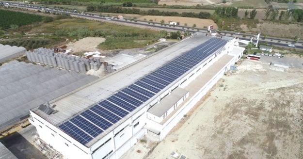 Enerjisini güneşten alan KIRBIYIK HOLDİNG, yıllık 500 bin TL'lik tasarruf sağlıyor...