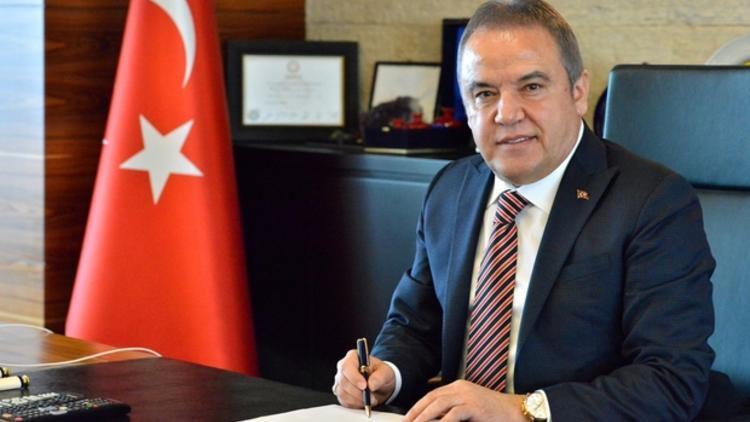 """BAŞKAN BÖCEK:""""SU ZAMMI ASLA YOK,BURADAN SİZE EKMEK ÇIKMAZ""""DEDİ..."""