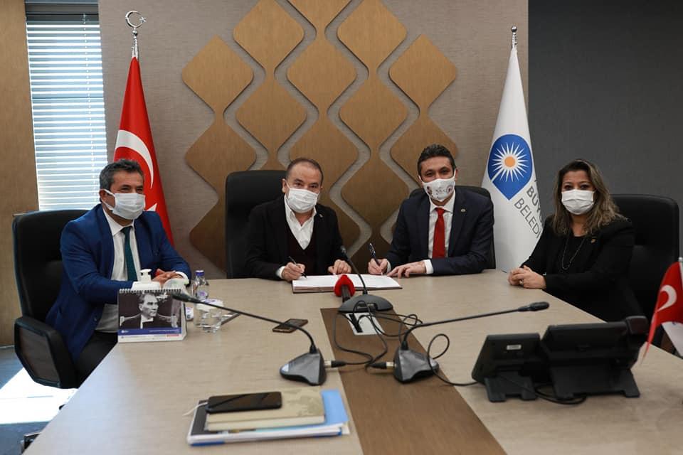 Antalya Büyükşehir Belediyesi'nde sözleşme sevinci...