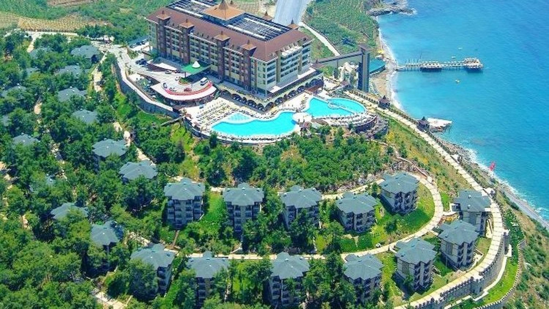 Alanya'daki Utopia World Hotel'in Anex Tourism'e satılmasıyla ilgili açıklama...