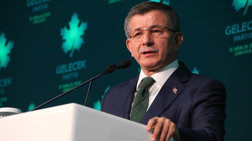 Ahmet Davutoğlu'nun Coronavirüs testi pozitif çıktı...