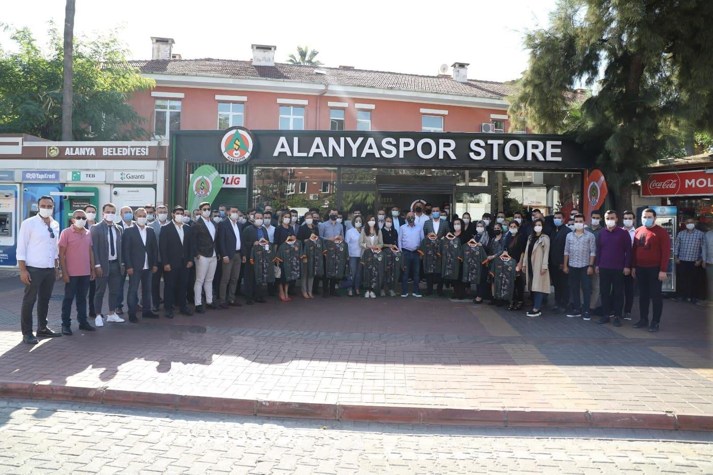 AK Parti'den kamuflaj forma kampanyasına tam destek...
