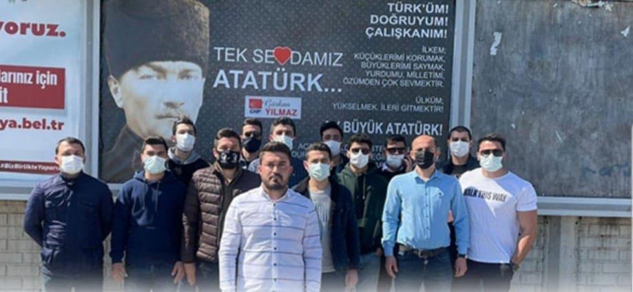 ATATÜRK POSTERİNE ÇİRKİN SALDIRI...