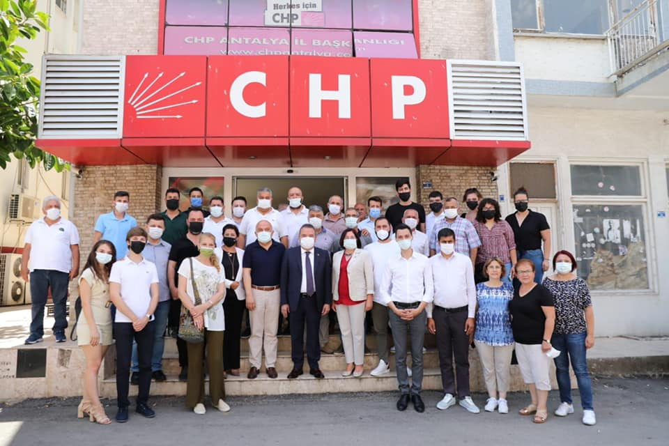 Başkan Böcek'ten CHP'ye ziyaret...