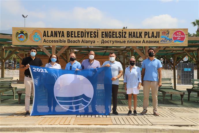 ALANYA BELEDİYESİ ENGELSİZ HALK PLAJI'NA MAVİ BAYRAK ÖDÜLÜ...