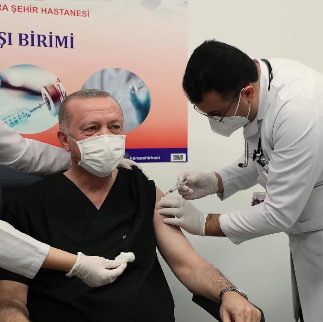 Erdoğan'ın aşı yaptırdığı fotoğrafa İmamoğlu şakası...