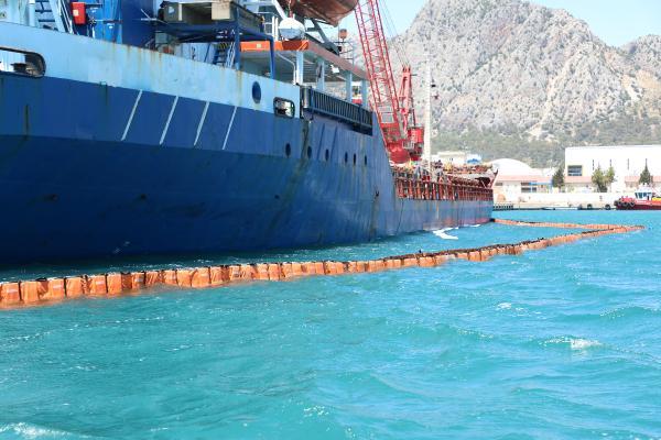Büyükşehir'den denizi kirleten gemiye 1 milyon 566 bin lira ceza...