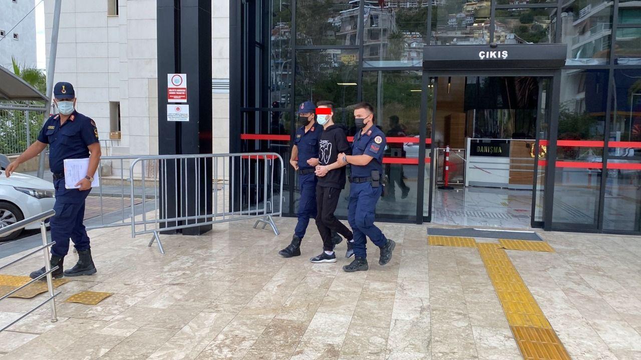 JANDARMA TRAFİK, CEZAEVİ FİRARİSİNİ KONTROLLERDE YAKALADI...