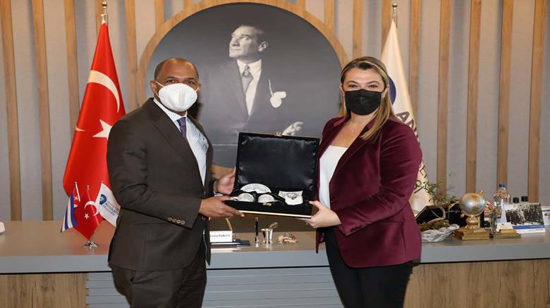 Küba Büyükelçisi'nden Büyükşehir'e ziyaret...