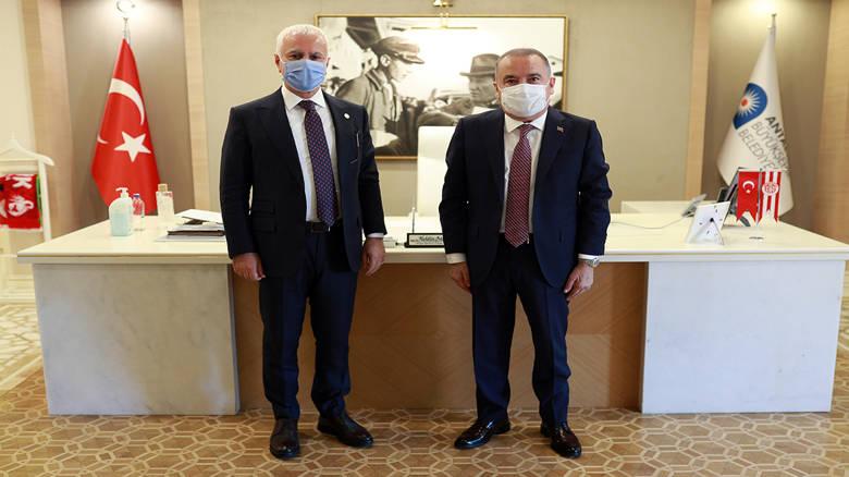 Koray Aydın'dan Başkan Böcek'e ziyaret...