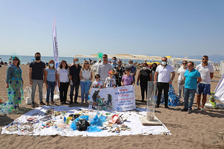 Büyükşehir'den Dünya Temizlik Günü'nde kıyı temizliği...