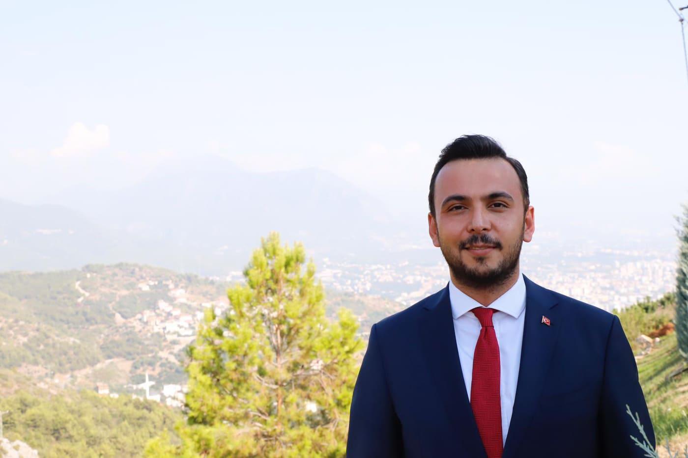 ALANYA AK PARTİ İLÇE BAŞKANI TOKLU, 30 AĞUSTOS'U KUTLADI...