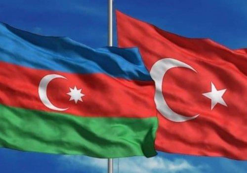 YAŞASIN AZERBAYCAN...