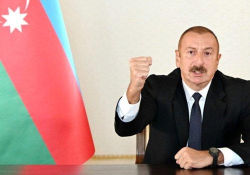 Aliyev duyurdu: Tarihi Hudaferin Köprüsü'ne Azerbaycan bayrağı dikildi...