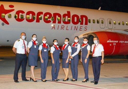 Corendon ilk yolcuları getirdi...