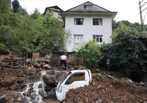 Acı haberler peş peşe geliyor! Rize'deki sel felaketinde hayatını kaybedenlerin sayısı 6'ya yükseldi...