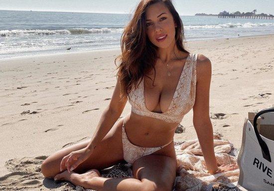 Красота по-американски: бикини-модель изЛос-Анджелеса покоряет Сеть...