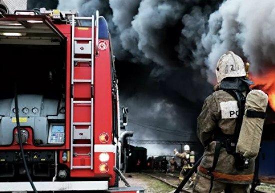 Пожар вПетербурге: безсвета десятки домов...